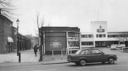 Thermos, Ongar Road (1980s)